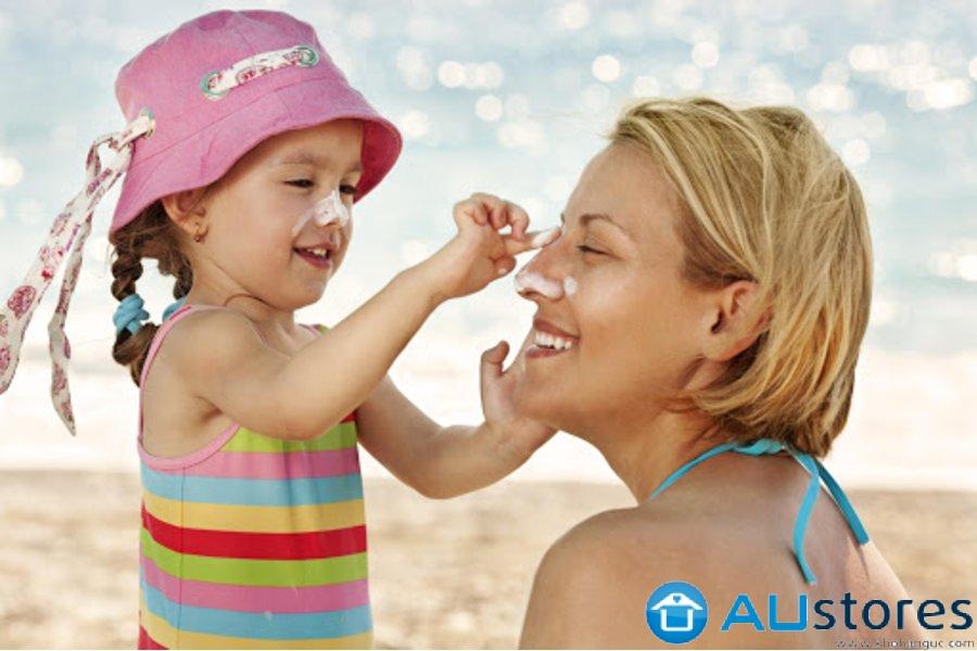 Có nên cho trẻ dùng kem chống nắng sớm?