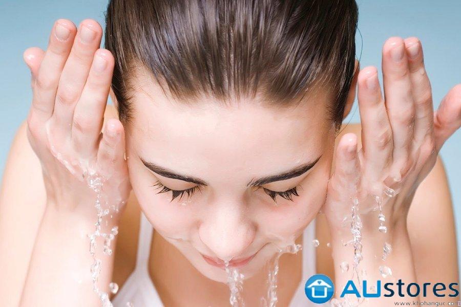 Bạn đã biết cách rửa mặt đúng cách cho da mụn, da nhờn dầu?